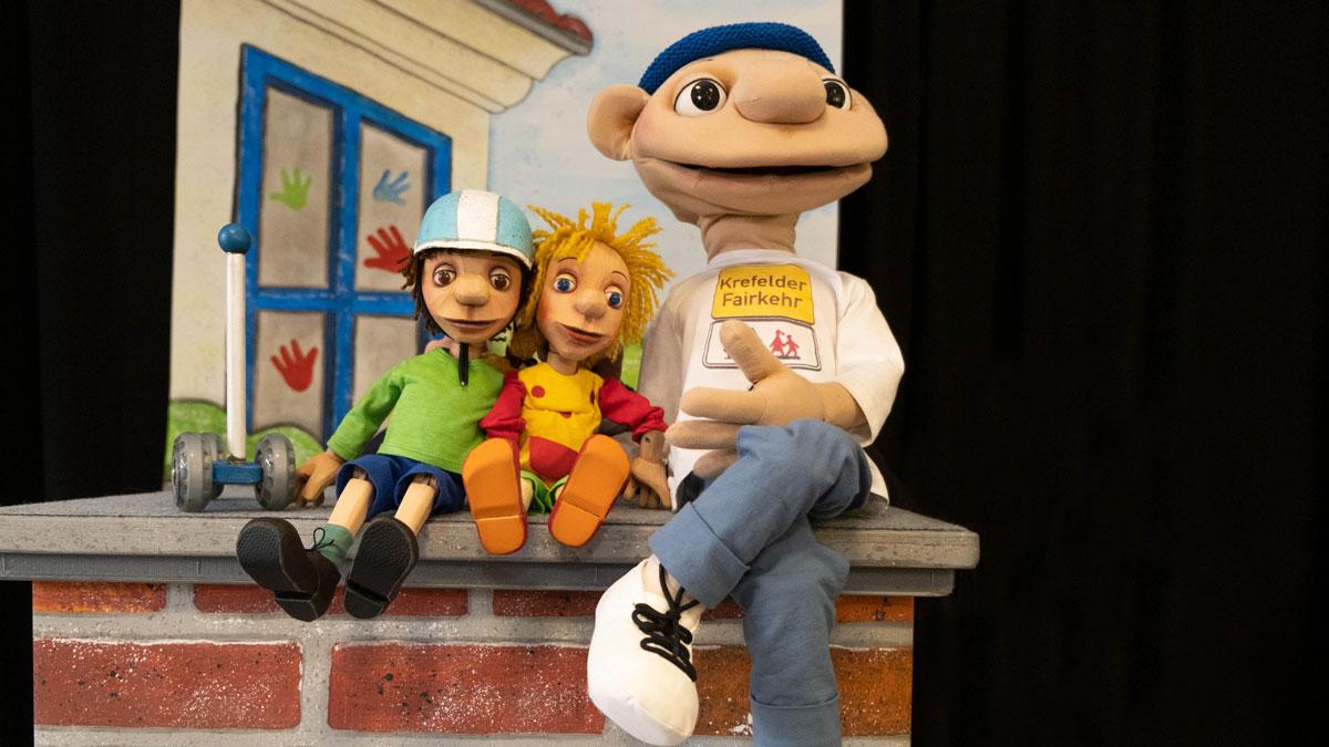 Presse allgemein Hauptdarsteller des Puppenstücks
